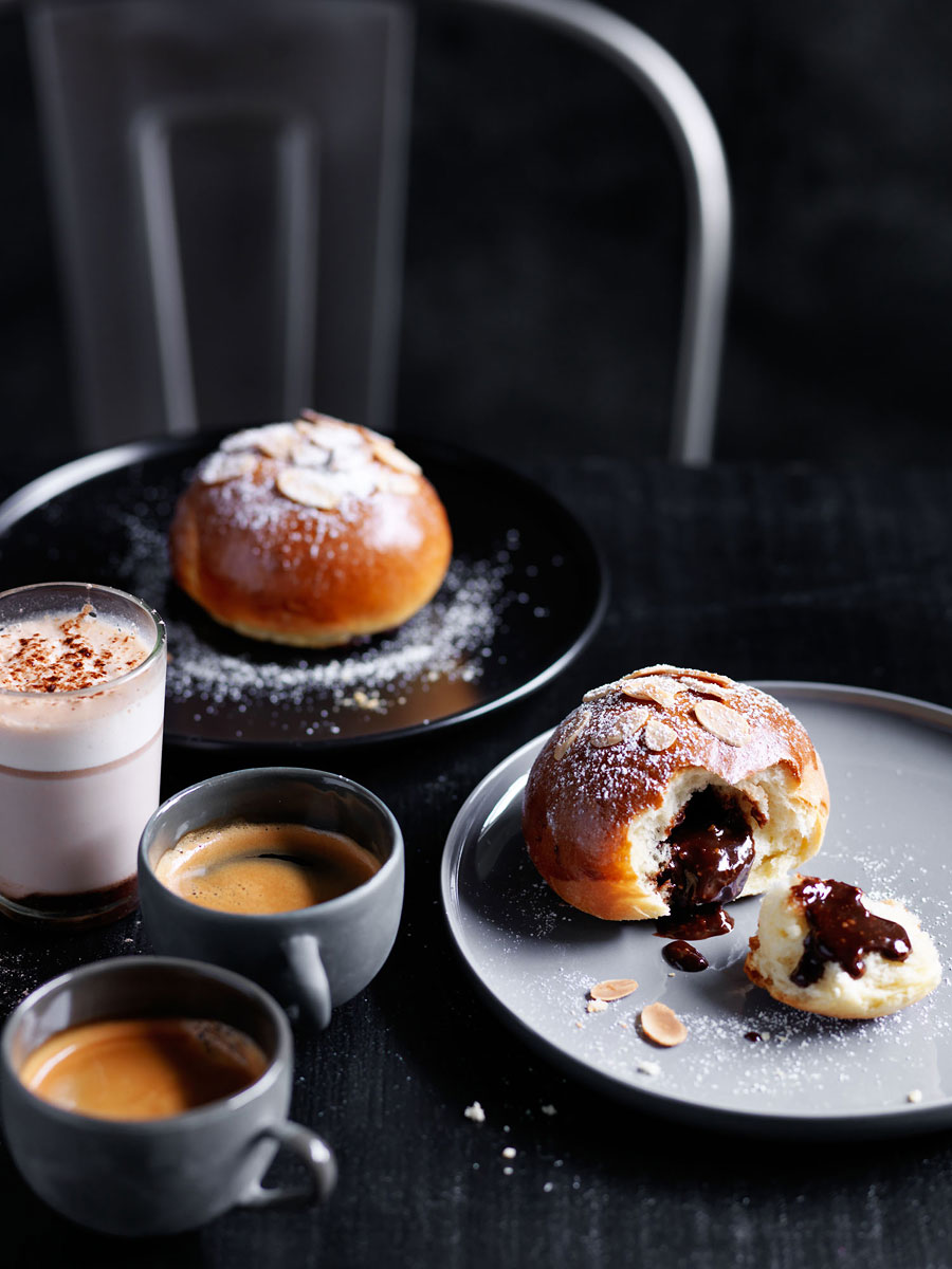 20151208Chocolate-stuffed-brioche